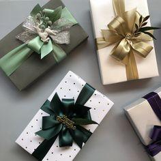 Christmas Present Wrap, Christmas Gift Baskets, Christmas Gift Wrapping, Wrapping Gift, Creative Gift Wrapping, Creative Gifts, Diy Holiday Gifts, Best Christmas Gifts, Christmas Crafts