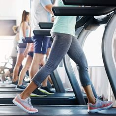 The latest tips and news on Walking are on POPSUGAR Fitness. On POPSUGAR Fitness you will find everything you need on fitness, health and Walking. Treadmill Walking Workout, Treadmill Workouts, Walking Exercise, Cardio, Body Workouts, Walking Training, 4 Week Workout, Fat Workout, Build Muscle Fast