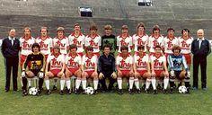 Seizoen 1981 - 1982    Rechtstaand van links naar rechts : Pieters (Official), Fazekas, Mariman, Van Der Elst, Jaspers, Czerniatynski, Dieltiens, Koeckelcoren, Heerwegh, Cnops, Ruts, Labarbe en Mathieu (Fysiek trainer)  Zittend: Svilar, Van Paemele, Van Der Linden, Goris, Davidovic (Hoofdtrainer), Boeckstaens, Kaiser, Van Eyck en Van Den Broecke.