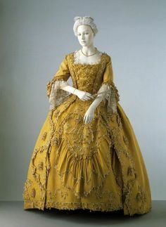 I think the costume designer for Dr. Who based Madame Pompadour's dress on this one: Robe à la française: circa silk, trimmed with silk cord, braid and ribbon, lined with linen. 18th Century Dress, 18th Century Clothing, 18th Century Fashion, 19th Century, Vintage Gowns, Vintage Outfits, Vintage Fashion, Vintage Costumes, Historical Costume