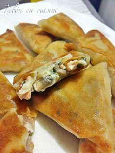 Bricks saumon champignons et crème Cooking Bread, Batch Cooking, Quick Soup Recipes, Snack Recipes, Turnover Recipes, Empanadas, Ramadan Recipes, Snacks Für Party, Snacks
