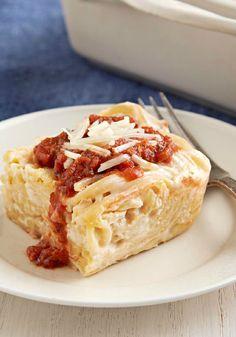 Creamy Baked Spaghetti Casserole – Got a jar of Alfredo sauce in the cupboard? Good! It's what makes this creamy, cheesy spaghetti casserole a cinch to prepare!
