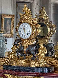 Antique Clocks : Appartements de Mesdames, Palace of Versailles -Read More –
