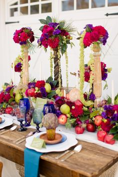 floral centerpieces on pillars - Katelyn James Photography, Anthomanic, Paisley and Jade