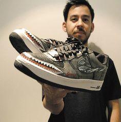MIKE SHINODA  Aaaaaaaaawwwwww! ur so good to me Mike, I love new shoes!!!!!!!!!!