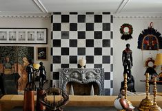 A Parisian Decorator's Top Tips for Creating the Perfect Mantel Photos   Architectural Digest