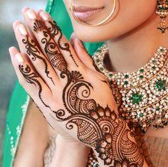 Mehndi Designs for Back Hands Arabic-Arabic Mehndi back hand