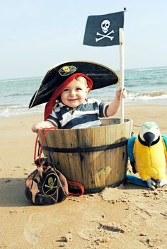 pirate photoshoot idea for party invites? Pirate Baby, Pirate Birthday, Pirate Theme, Boy First Birthday, Birthday Ideas, Birthday Parties, Baby Pictures, Baby Photos, Pirate Pictures