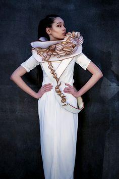 Fashion Design by Feza Kurtulmus ©Jeanette Bäumer