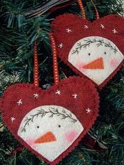 Peeking Snowman Ornament with embroidered pine garland and stars, all hand stitched. Felt Christmas Decorations, Christmas Ornaments To Make, Christmas Sewing, Noel Christmas, Felt Ornaments, Winter Christmas, Handmade Christmas, Fabric Ornaments, Tree Decorations