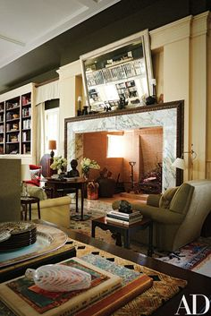 In Thomas O'Brien and Dan Fink's Home-Studio Everything Old is New Aga - Architectural Digest Living Room Modern, Living Spaces, Living Rooms, Long Island House, Italian Home Decor, Thomas O'brien, Interior Architecture, Interior Design, Interior Styling