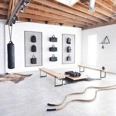 Cool 35 Modern Home Gym Spaces Ideas For Work Out. # # Fitness room 35 Modern Home Gym Spaces Ideas For Work Out Dream Home Gym, Gym Room At Home, Home Gym Decor, Best Home Gym, Diy Home Gym, Home Gym Garage, Basement Gym, Home Gym Design, House Design
