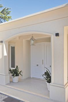 Have a look at our niche site for lots more in regard to this great photo Classic House Exterior, House Paint Exterior, Dream House Exterior, Exterior Design, Stucco Exterior, Village House Design, House Front Design, Village Houses, Minimal House Design
