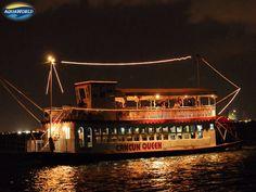 Beautiful photo of Cancun Queen at Night...    Hermosa foto del Cancun Queen en la Noche ..