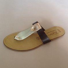 Greek Sandals (Δερμάτινα :: Πέδιλα, Σαγιονάρες, Παντόφλες) @ www.GreekShoes.Net > Κωδικός: 260.508 > Μεγέθη: Νο.35-Νο.41 (τιμή 30€) & Νο.42-Νο.45 (τιμή 40€) > Σόλα: Σφήνα ή Φλάτ   Λευκή ή Μπέζ > Χρώματα: Καφέ-Χαλκός&Χρυσό, Μαύρο-Χαλκός&Χρυσό, Ταμπά-Χαλκός&Χρυσό, Λευκό-Χαλκός&Χρυσό Greek Sandals, Shoes, Fashion, Moda, Zapatos, Shoes Outlet, Fashion Styles, Shoe, Footwear