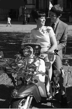 Married Mod couple on Lambretta Mod Scooter, Lambretta Scooter, Vespa Scooters, Vespa Girl, Scooter Girl, Youth Culture, Pop Culture, Mod Music, Diana