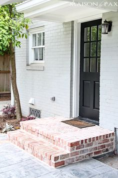 40 Farmhouse Front Porch Steps Ideas - Page 9 of 40 Front Porch Steps, Farmhouse Front Porches, Side Porch, Side Door, Exterior Colors, Exterior Design, Exterior Paint, Brick Porch, Red Brick Pavers