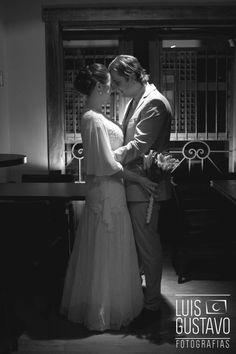 casamento; foto de casamento; fotografia de casamento ; fotógrafo de casamento rs; fotógrafo de casamento porto alegre; mini-wedding; vestido de noiva; noiva; noivo; noivos; luis gustavo fotografias; fótografo luis gustavo; buquê; lírios; gesto flores cachoeirinha