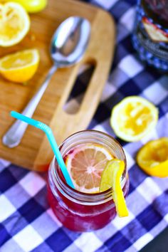 {Sparkling Blueberry Lemonade}