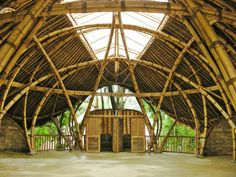 Turtle Classroom at Green School Bamboo Structure, Organic Structure, Bamboo Building, Natural Building, Bamboo Art, Bamboo Crafts, Timber Architecture, Architecture Design, Turtle Classroom