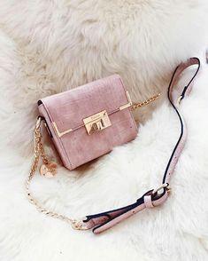 Trendy Purses And Handbags Luxury Bags, Luxury Handbags, Fashion Handbags, Fashion Bags, Luxury Purses, Fashion Women, Chanel Handbags, Fashion Clothes, Fashion Fashion