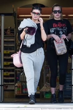 Kylie Jenner Makes a Case for Wearing Your Coziest Sweatpants in Public http://ift.tt/1Pjlz4C #MarieClaire #Fashion