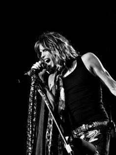 Steven Tyler, Aerosmith You're a awesome person. Rock And Roll Bands, Rock Bands, Bob Marley, Pink Floyd, Rolling Stones, Music Is Life, My Music, Music Stuff, Beatles