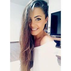 ᴀɴᴅʀᴀ ᴅᴏɪᴄᴇsᴄᴜ (@andradoicescu) • Foto e video di Instagram Video, Hoop Earrings, Chic, Jewelry, Instagram, Fashion, Moda, Elegant, Jewlery