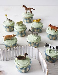 Farm yard cupcakes are perfect for a kids' party. Animals become party favors after the cupcake is gone. Farm Animal Cupcakes, Farm Cupcake Toppers, Barnyard Cupcakes, Party Cupcakes, Vegan Cupcakes, Little Presents, Farm Birthday, Animal Birthday, Farm Party