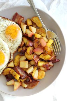 Sweet plantain apple bacon breakfast hash that's paleo and whole30 friendly. Pink lady apples, caramelized plantains, sugar free bacon and eggs.