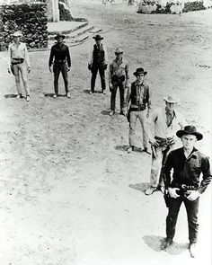 Classic Movie Western - The Magnificent Seven starring Yul Brynner, Steve McQueen, Charles Bronson, Eli Wallach. Western Film, Western Movies, Best Western, Tv Westerns, Old Movies, Great Movies, Hollywood Stars, Classic Hollywood, Yul Brynner