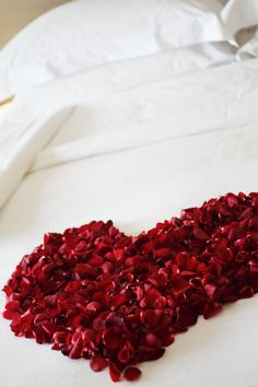 Even more work with petals, but makes for a gorgeous first night in your #Honeymoon #Suite
