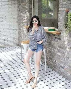 Korean Fashion Trends you can Steal – Designer Fashion Tips Korean Girl Fashion, Korean Fashion Trends, Korean Street Fashion, Ulzzang Fashion, Korea Fashion, Asian Fashion, Daily Fashion, Kpop Outfits, Korean Outfits