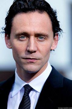 Pin by inti rocha on tom hiddleston❤ Thomas William Hiddleston, Tom Hiddleston Loki, King Tom, Tom Love, Loki Marvel, Man Alive, Chris Hemsworth, Sherlock, Just In Case