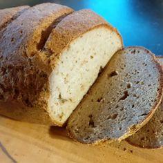 Tvarohový chlebík (primal, bez lepku) k nerozeznání od pšeničného Paleo, Keto, Banana Bread, Desserts, Breads, Food, Car, Tailgate Desserts, Bread Rolls