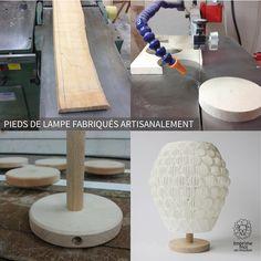 Les objets d'imprime-moi un mouton combinent le meilleur de l'artisanat moderne et traditionnel. En effet nous utilisons les technologies 3D qui permettent la production et la personnalisation de formes qui seraient impossibles à réaliser autrement. Et nous complétons l'ensemble de nos luminaires par des bases en bois soigneusement fabriquées à la main. Ces supports sont en hêtre avec une finition mat. Ils finissent parfaitement l'objet en rajoutant un côté naturel et chaleureux.