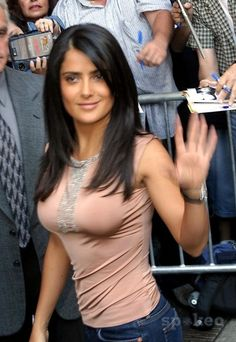 Salma Hayek love the cut