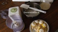Zázračný recept na infekcie, imunitu, cholesterol i dokonca upchaté cievy. Cold Remedies, Herbal Remedies, Cholesterol Lowering Foods, Health Matters, Health Tips, Herbalism, Healthy Lifestyle, Garlic, Drinks