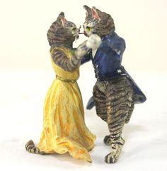 Genuine Cold Painted Vienna Bronze Cat Couple Dancing Sculpture, Miniature