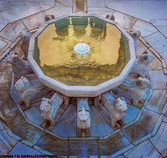 Leones siempre en guardia.  Los guerreros de piedra del sultán. #Alhambra #PatioLeones #PalaciosNazaríes #Granada #Andalucía #patrimonio #unescoworldheritage #Unesco @spain #spainisdifferent #Spainisculture #spainiswonderful foto: @pepemarinzarza www.alhambra-patronato.es #visitAlhambra