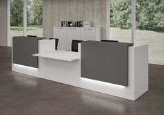 Modular Office reception desk By Quadrifoglio Reception Counter Design, Curved Reception Desk, Office Reception, Front Office, Bureau Design, Office Table Design, Contemporary Desk, Clinic Interior Design, Office Interiors