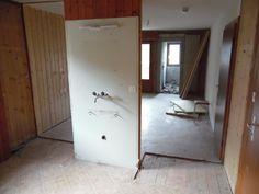 14. April 2015 - In den oberen Stockwerken fanden weitere Abrissarbeiten statt. Auf zwei wird künftig ein Zimmer mit dem Ziel, dem künftigen Gast wesentlich mehr Komfort bieten zu können.