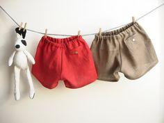 Handmade red cherry children linen shorts size 2 por robedellarobi, €19.50