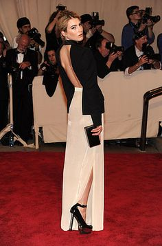 Red Carpet Arrivals at the 2010 Costume Institute Ball