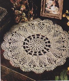 Crochet Pattern ~ SCALLOPED PINEAPPLE DOILY ~ Instructions