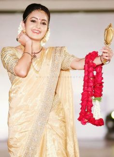 Bhama-bridal-saree-Kochi-fashion-week-20141