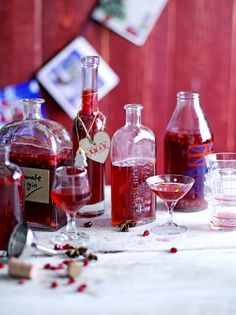 This Christmas infuse your gin with festive flavours; Our spiced pomegranate gin recipe makes gin even more Christmassy!
