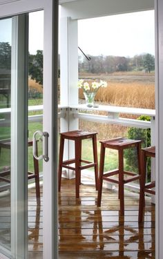 add a bar to take advantage of the view! Small Screened In Porch Design, Pictures, Remodel, Decor and Ideas - page 4 Bar Patio, Porch Bar, Deck Bar, Porch Table, Screened Porch Designs, Screened In Porch, Front Porch, Bar Designs, Design Ideas