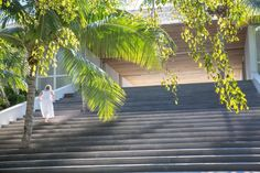 """Com """"escadaria maia"""", casa se liga ao mar através de salas e varandas - Casa e Decoração - UOL Mulher"""