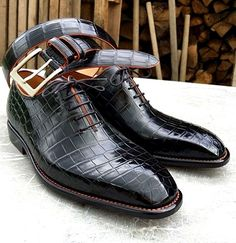 Alligator Leather Wholecut Dress Shoes Bequeme formale Business-Schuhe - Alligator Shoes and Crocodile Shoes for Sale - Women's Shoes, Me Too Shoes, Shoe Boots, Dress Shoes, Shoes Men, Ny Dress, Gentleman Shoes, Simple Shoes, La Mode Masculine